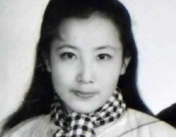 51岁高颜值大妈涉嫌杀人 被称为美女蛇!悬赏10万…