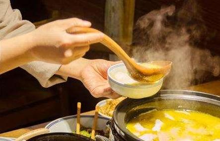 冬天热腾腾的美食最受欢迎,什么汤会让你有幸福感呢