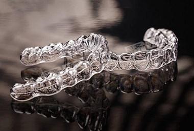 杭州牙科医院   隐形矫正使用准则
