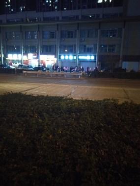 福全晚上经常出没着一支扇子舞蹈队,让夜晚增光添彩。