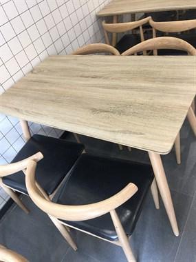 【转卖】快歺桌椅一套