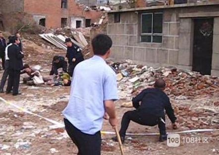 瓷都街头一男子捡起砖头直接往人头上砸!当场头破血流…