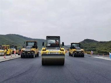 """新进展!""""二绕""""开始沥青施工,预计明年11月底完工通车!"""