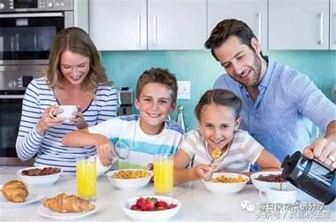 """早餐吃不对,身体很受罪,做好""""三要"""",养好肠胃少生病!"""