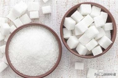 """""""红糖、白糖、冰糖""""之间的区别和作用你知道吗?"""