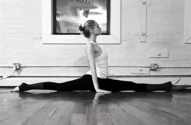 这样练,你也可以做瑜伽一字马 坤阳瑜伽教练培训