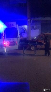 """浙江路一男子喝醉后""""打太极""""吓坏路人!警察、120都来了"""