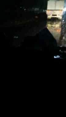 衢州两巨无霸当街相撞太惨烈!半挂车车头严重变形,司机…