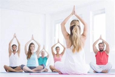 从菜鸟到高级瑜伽教练—从选择瑜伽教练培训班开始 坤阳瑜伽