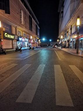 商业区转移,老国商噶冷清!曾排长队的店现空无一人