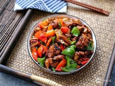 鸡肉红烧别加水,只需这几味调料,成菜肉香味浓,吃过的人都说好
