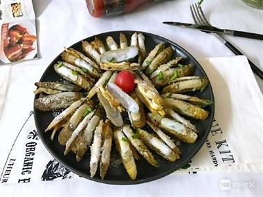 这小海鲜最肥美,肉嫩味鲜,不炒不煮,这个做法让你越吃越馋