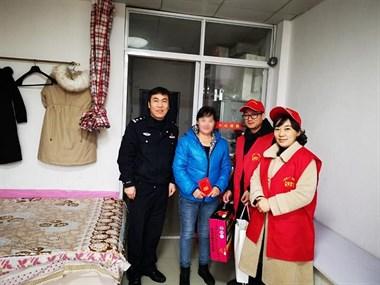 年轻务工人员因病卧床 嵊州公安联合红立方走访慰问