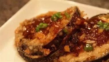 春节菜谱:可乐鸡翅 葱爆牛肉 蒜香鸭块 秘制烧排骨...