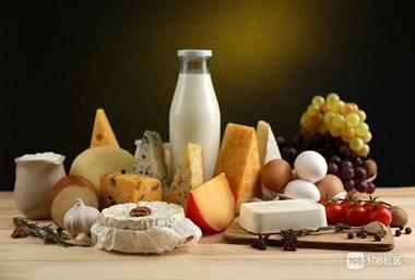 每天能坚持喝两种奶身体好,有助于延长寿命!值得一看