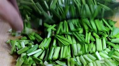 韭菜焖鸡蛋,掌握这个秘诀,韭菜鲜美,鸡蛋嫩滑,非常下饭