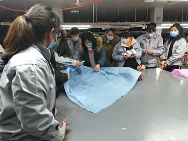 新昌这公司发布紧急通知!召回员工为武汉赶制防护服