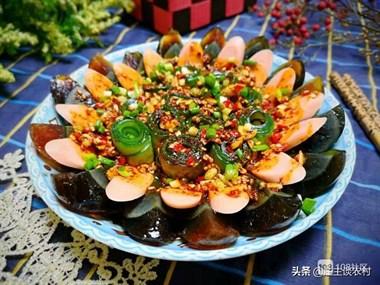 庄主教学每天一道菜,黄瓜拌皮蛋的做法,一碗料汁就够了.
