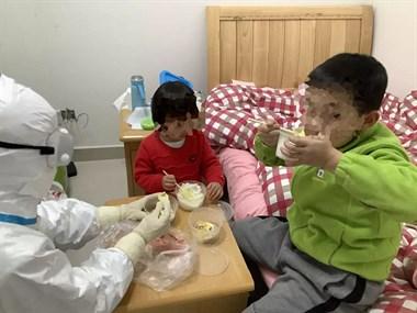 父母回杭被确诊,2小孩无人照顾!滨江7位临时妈妈集结!