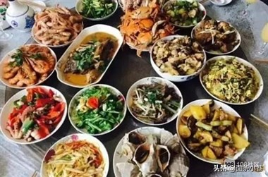 """哪个省的年夜饭最""""胖人""""?看到吃货晒出的图片,网友:最爱东北"""