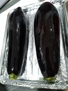 宅家造就大厨,社友晚上烤茄子香喷喷让人口水直流