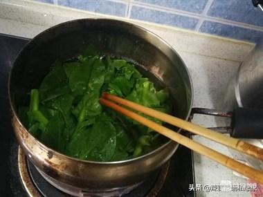 想吃青团自己做,没有艾草不用慌,青菜、抹茶粉都能代替