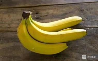 3根香蕉,3个鸡蛋,教你在家做香蕉饼,焦香暄软,越吃越香