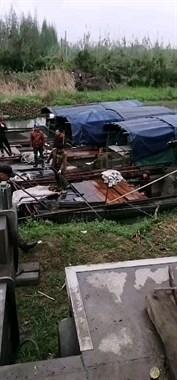 """德清河里来了几艘江苏船!每天摸""""宝""""3吨多,一天收入6千"""