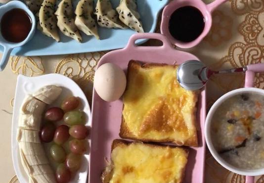 社友每日为孩子精心准备美食 堪比餐厅大厨!