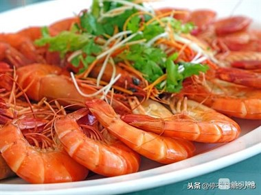 做了这么多年的红烧大虾,原来这样做最好吃,几分钟就能学会