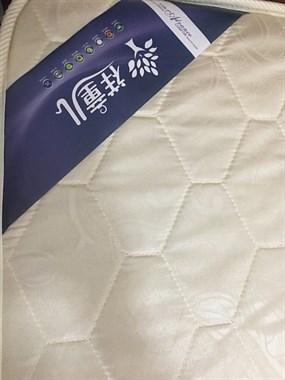 【转卖】便宜卖:床和垫子