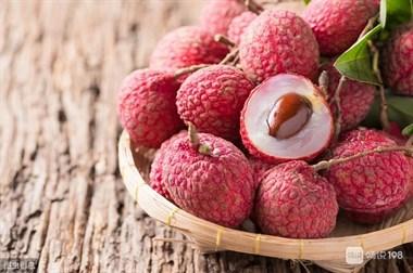 谷雨时节,记得吃这五色水果,清甜养颜防春郁,增强家人免疫力