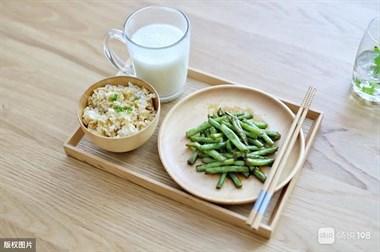 哪些食物有助于降尿酸?听听药师怎么说