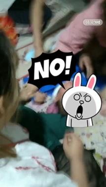 孩子积食家长用这法子,哭的撕心裂肺!看着太心疼