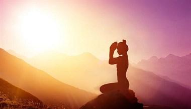 成都瑜伽教练培训:占据时代前沿,妮玛瑜伽助更多人开创事业