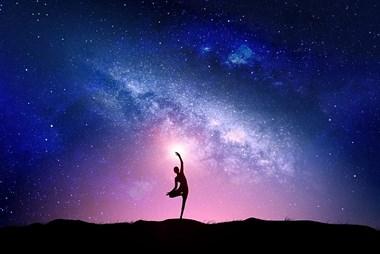 成都瑜伽培训教练:收拾对美好的向往,把它放进人生中