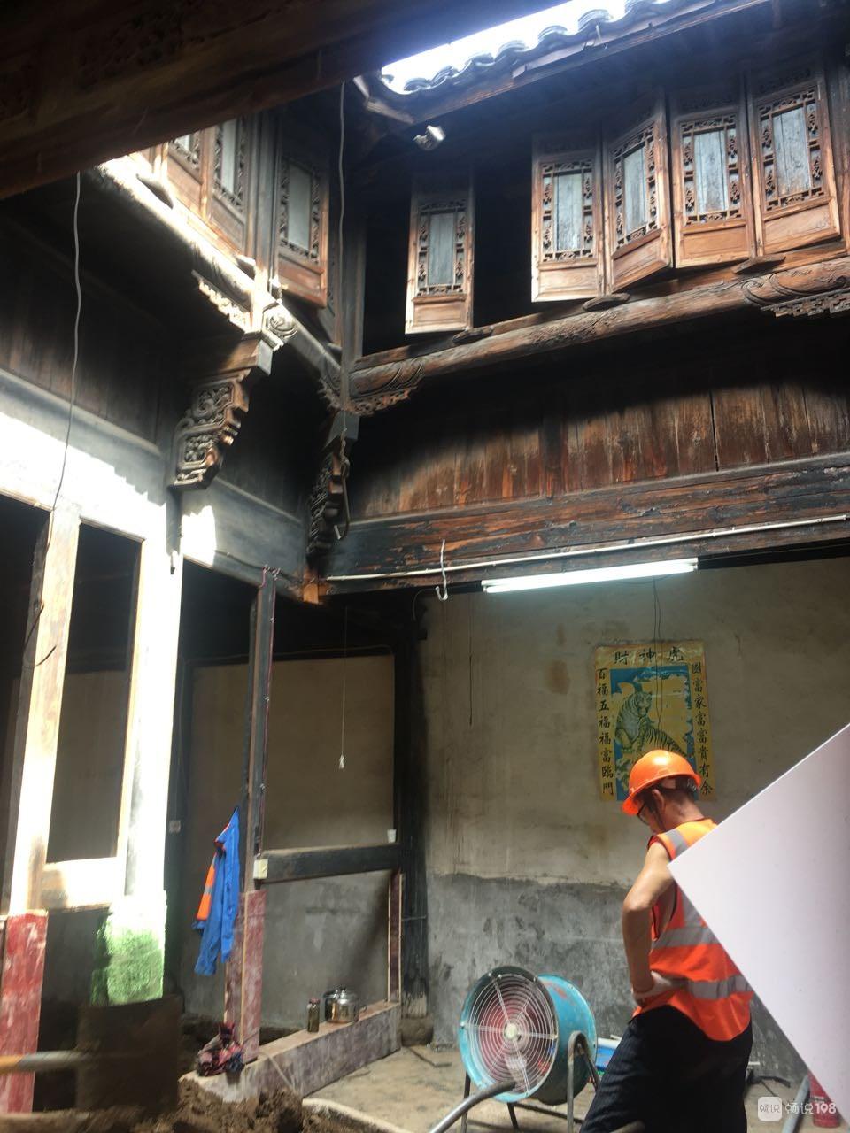 美得让人窒息!很多房屋拆除,苍岩江边古宅要保留