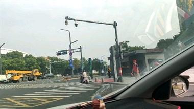 今天更严了!一大批交警现身德清街头,路口站了噶多人查车