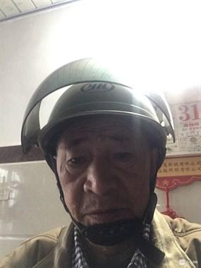Ta戴头盔的样子靓呆了!晒照比拼,看哪位老司机获得小黑伞