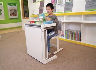 出售中小学课桌椅,单人课桌椅,托管辅导班课桌椅