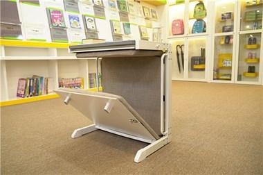 可变床的托管班课桌椅,桌床一体两用
