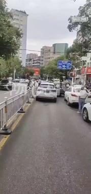 大批交警出动!景德镇这条路好多人被拦!车子全被堵!