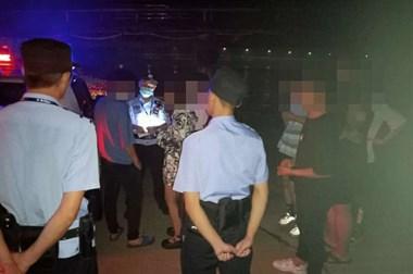 """因女友问题,22名小年青竟抄家伙,约在太湖边""""火拼""""!"""