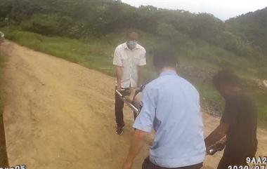 钦寸水库一男子躺了2天,腹部诡异鼓胀!警察和120都出动
