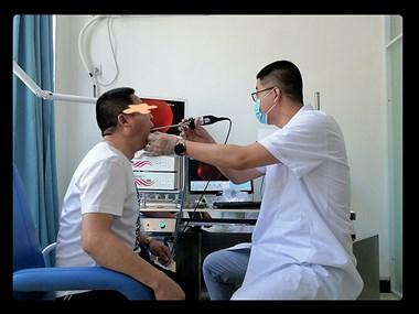 医生,做耳鼻咽喉的内镜检查到底痛不痛?