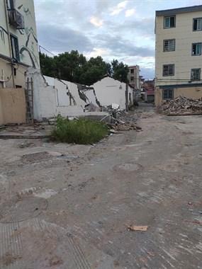 现场实拍图!中央宅挖机进场,外围平房都已拆完