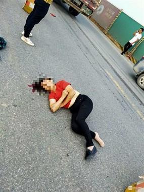 脑袋底下好多血!鱼山一女子被撞倒 一动不动躺路中间…