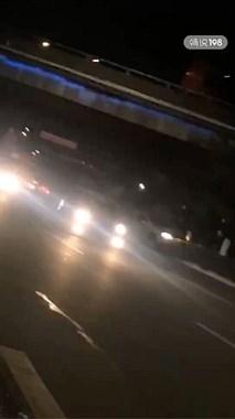 現場視頻!德清這地發生車禍,一白色汽車直接沖上綠化帶