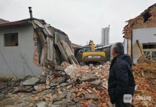 合理嗎?小舅戶口遷到桐鄉,現在還想分德清老家拆遷款!