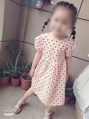 躺在ICU的5岁小女孩,睁开眼看看爸爸妈妈可以吗....
